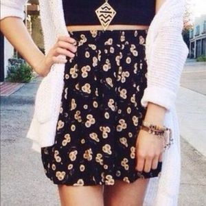Brandy Melville floral flirty skirt one size